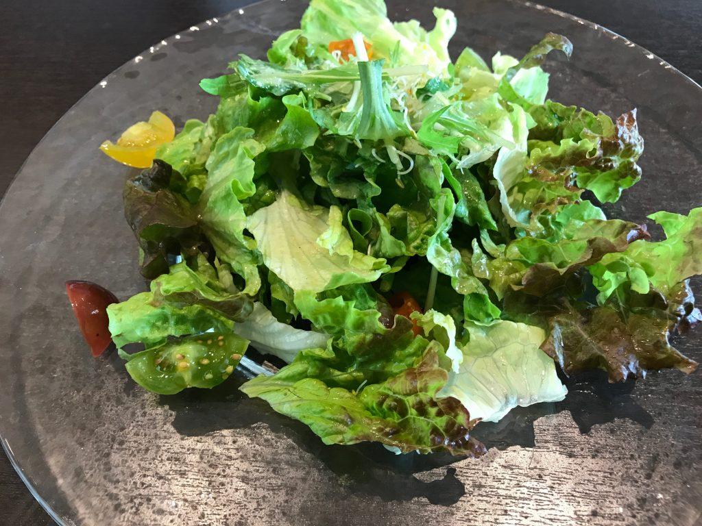 羽田JALシティのはるほくのサラダ