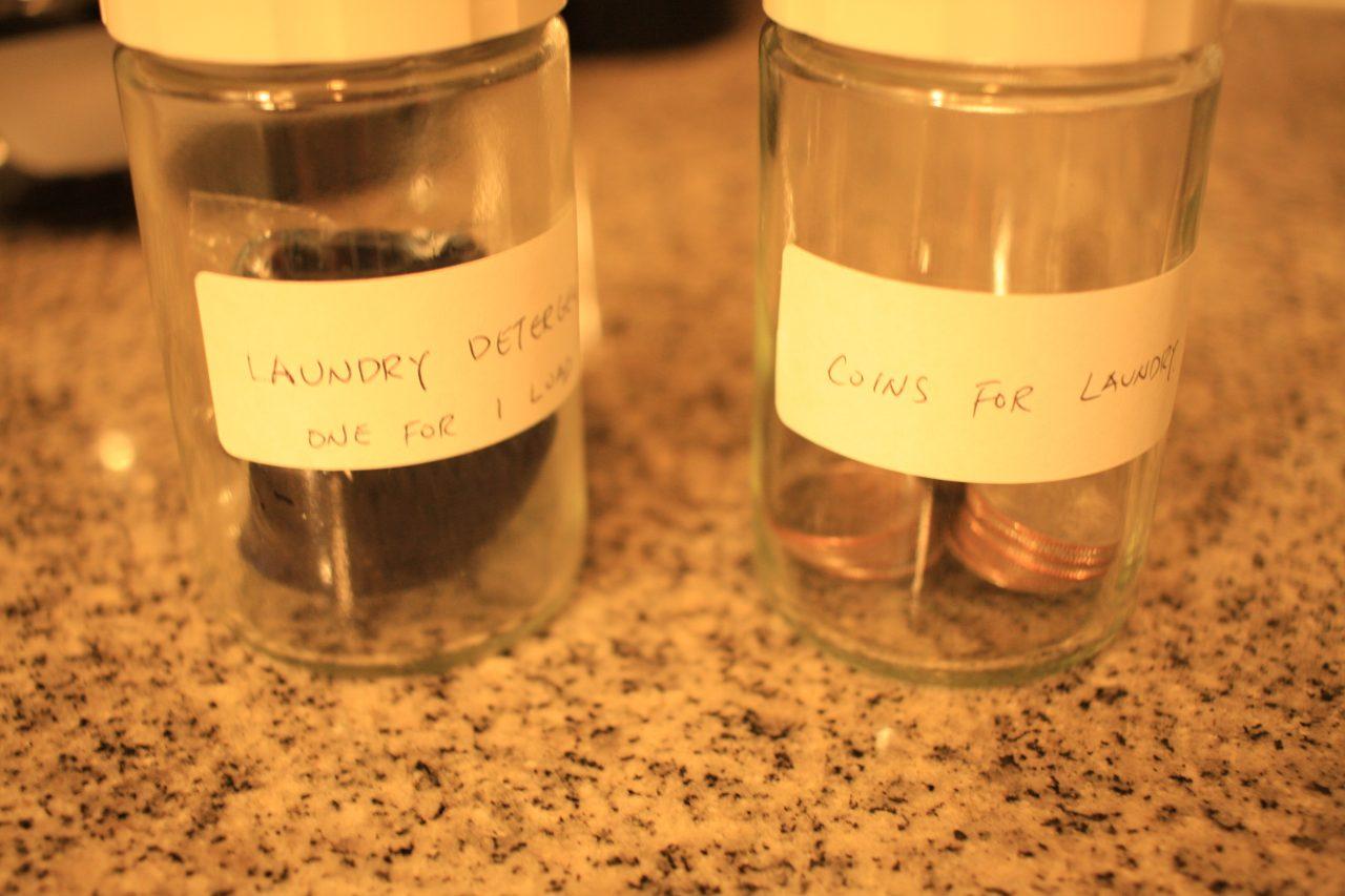 コインと洗剤