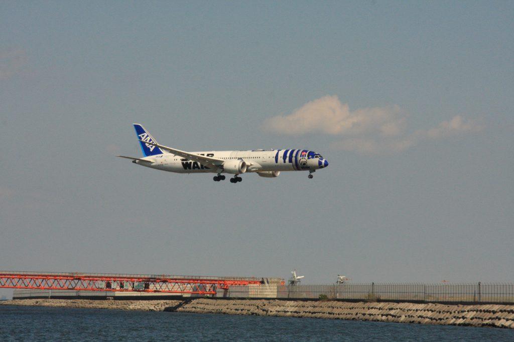 京浜島つばさ公園からの飛行機その1