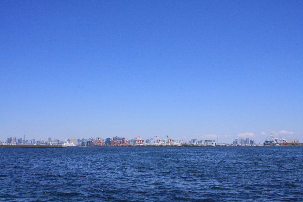 城南島海浜公園からの都心の景色