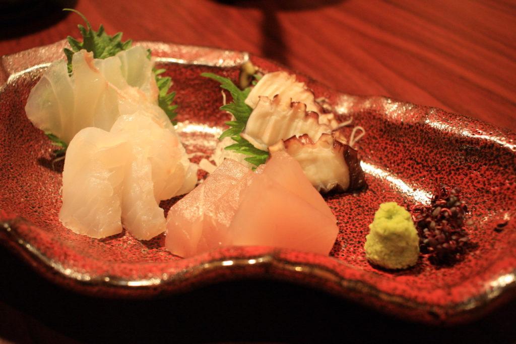 沖縄料理屋竹富島の刺身盛りの小サイズ
