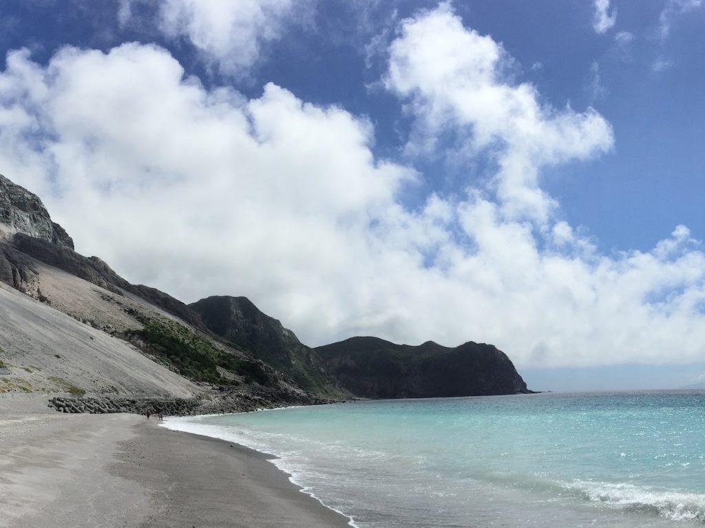神津島のエメラルドの海