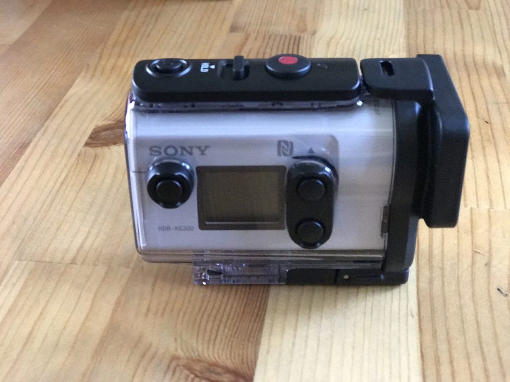 Sony HDR-AS300の右側