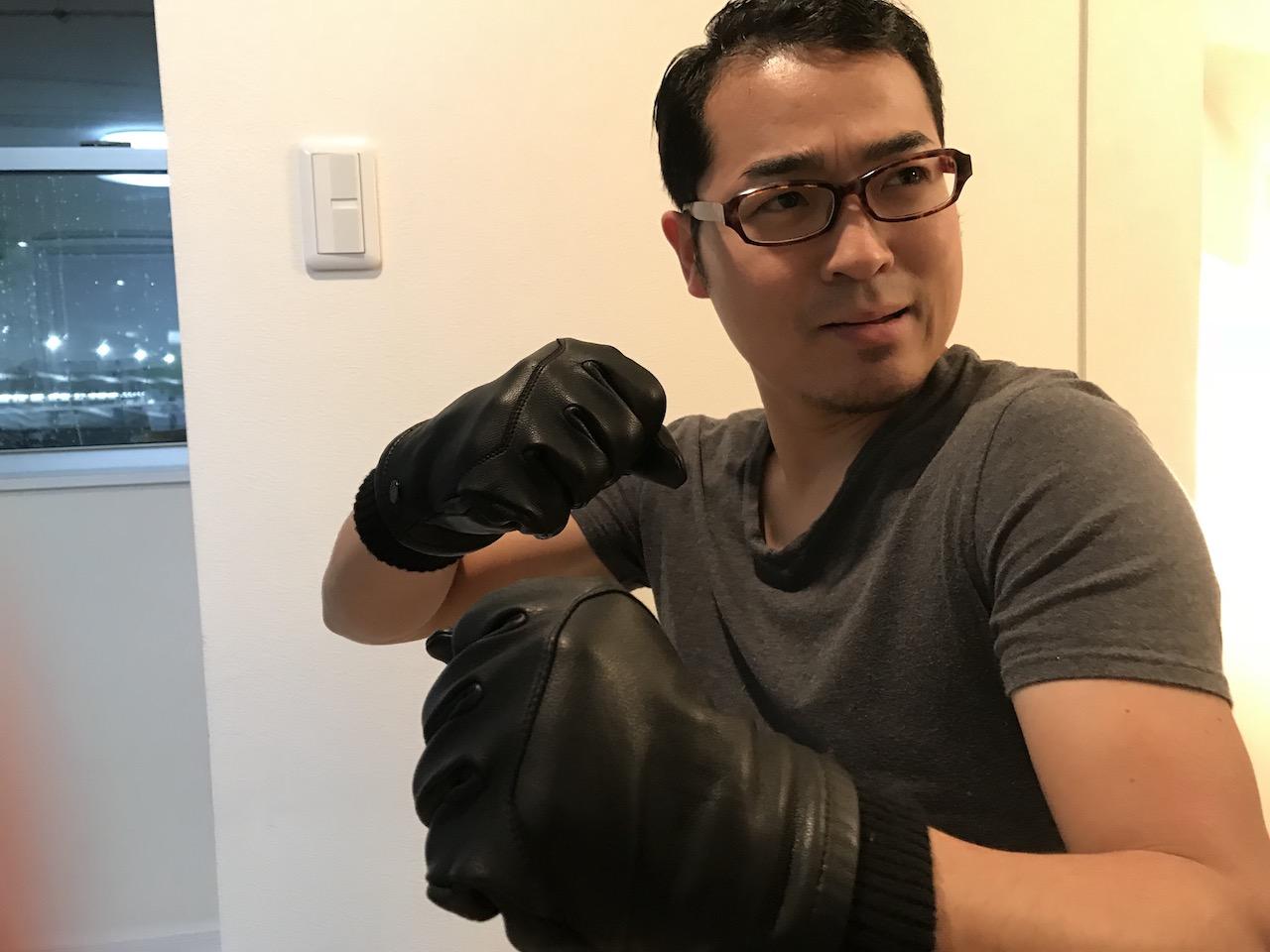 カナダグースの手袋がスーパーホット!ダウンだけが売りじゃありやせんよ!暖かさは手元から?
