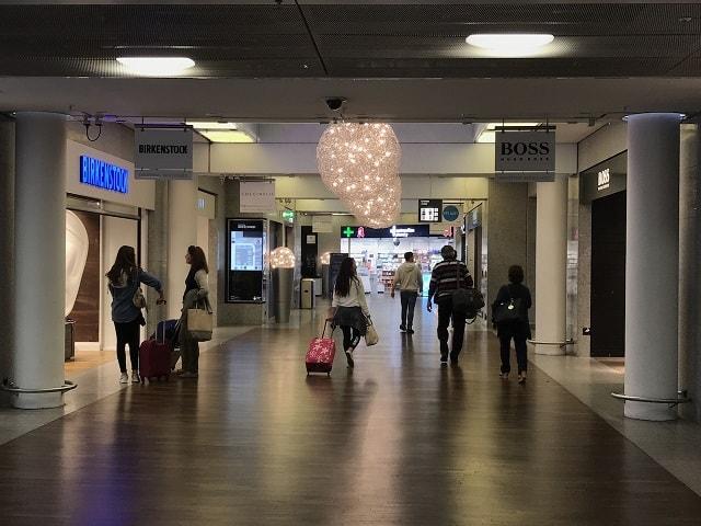 フランクフルト空港のシャワーまでの道順