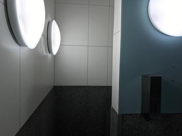 フランクフルト空港のシャワーの入り口
