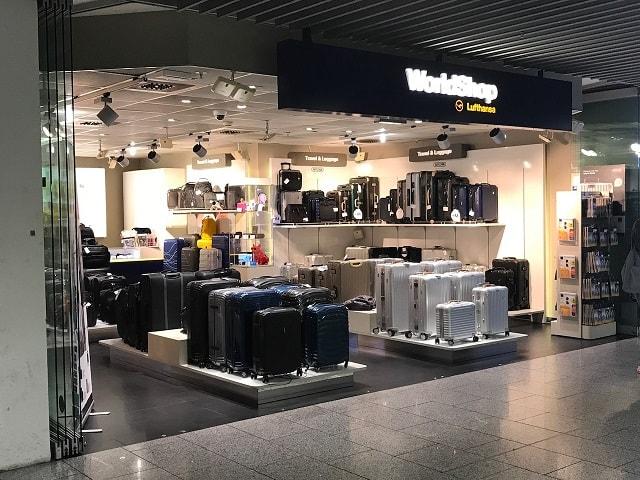 フランクフルト空港のルフトハンザ航空の小さいショップ