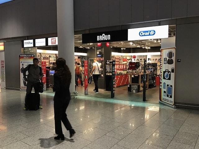 フランクフルト空港でSIMカードが売っているショップ