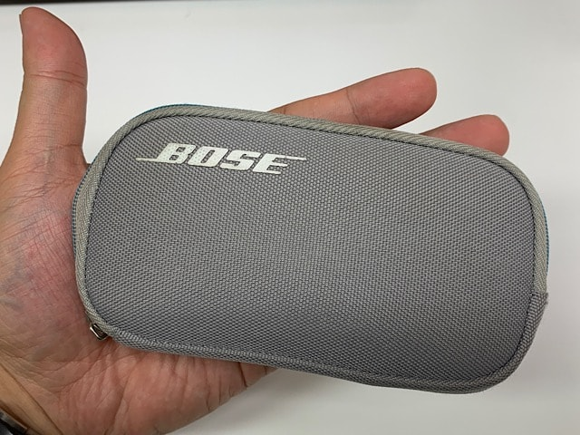 Bose-Quiet-Comfort-QC20-review-earphone-case