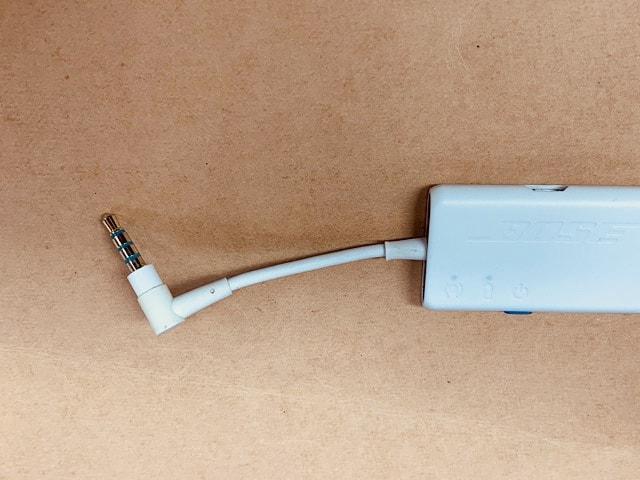 Bose-Quiet-Comfort-QC20-review-earphone-jack